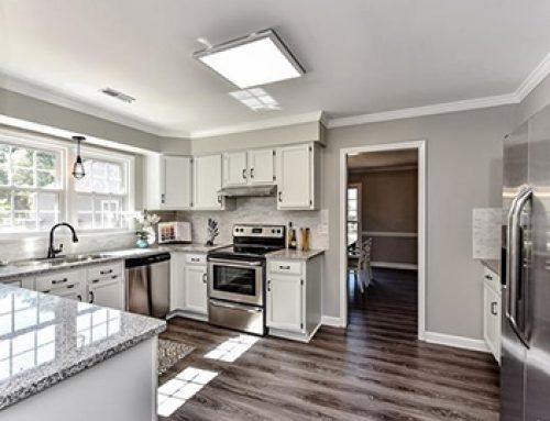 Fabulous Renovated Ranch in Wessex Square!